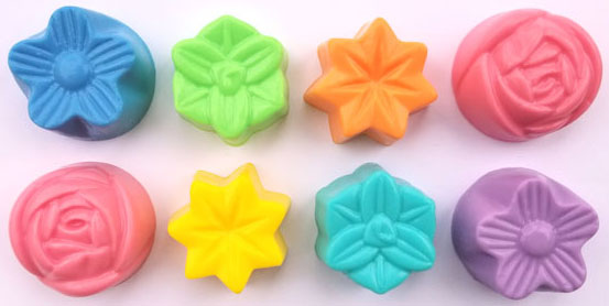 Guest Flowers Plastic Soap Mold: 8 Cavity